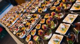 Deli Catering wsparła kulinarnie VBS 2018 LIFESTYLE, Żywienie - Największe wydarzenie dla profesjonalnych kandlowców B2B dobiegło końca. Event wsparł kulinarnie lider na rynku usług cateringowych w zakresie kulinariów eventowych, marka Deli Catering.