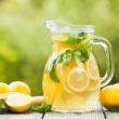 Herbaciane lemoniady idealne na garden party