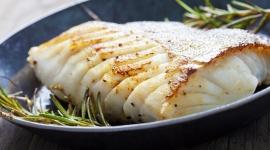Badania alarmują – Polacy jedzą za mało ryb! LIFESTYLE, Żywienie - Pełne witamin, białka, kwasów tłuszczowych omega–3 – ryby są prawdziwą kopalnią substancji odżywczych, niezbędnych do prawidłowego funkcjonowania naszego organizmu.