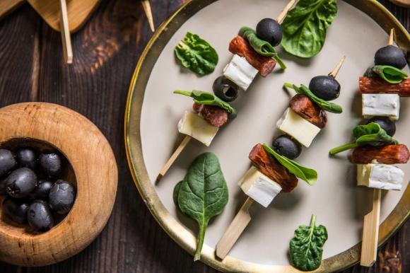Wiosna na talerzu – przepisy, które dodadzą Ci energii na cały dzień LIFESTYLE, Żywienie - Wiosna to najlepszy czas, aby włączyć produkty sezonowe do swojego menu. W jakie produkty warto zaopatrzyć się, aby wiosna zagościła na talerzu? Sprawdźcie sami!