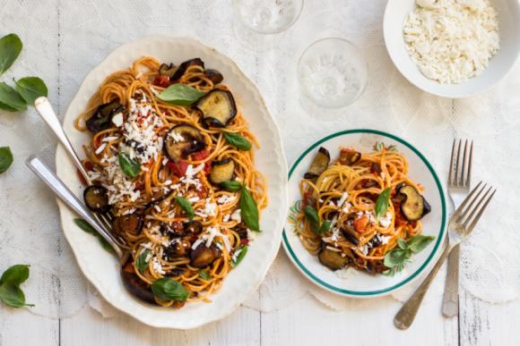 3 LEGENDY O WŁOSKICH DANIACH, KTÓRYCH NIGDY NIE SŁYSZAŁEŚ! LIFESTYLE, Żywienie - W Cookingbox.pl znajdziesz 15 włoskich regionów, niesamowicie różnych pod względem kulinarnym i kilkadziesiąt przepisów na dania, które z łatwością przyrządzisz samodzielnie w domu.