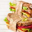 Trzy przepisy na pyszne kanapki do szkoły i pracy